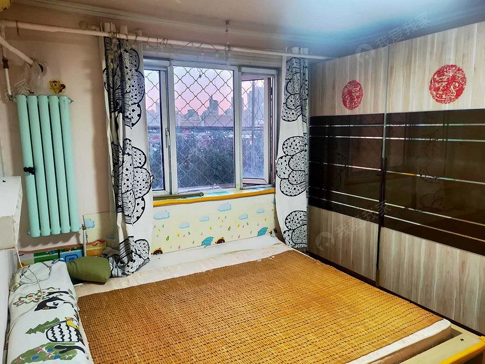 新出朝阳公园地铁金台路地铁,精装二居室,小区环境优美