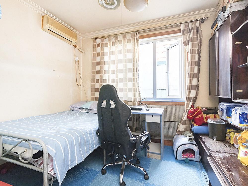 西直门 明光桥附近电梯三居 满五唯一 业主诚意出售 看房联系