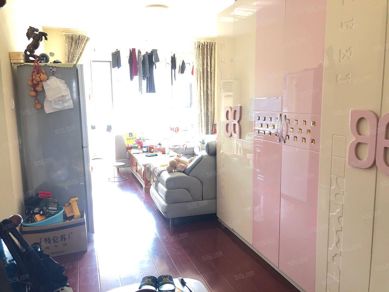 原香漫谷3居室出租,看房方便,精装修