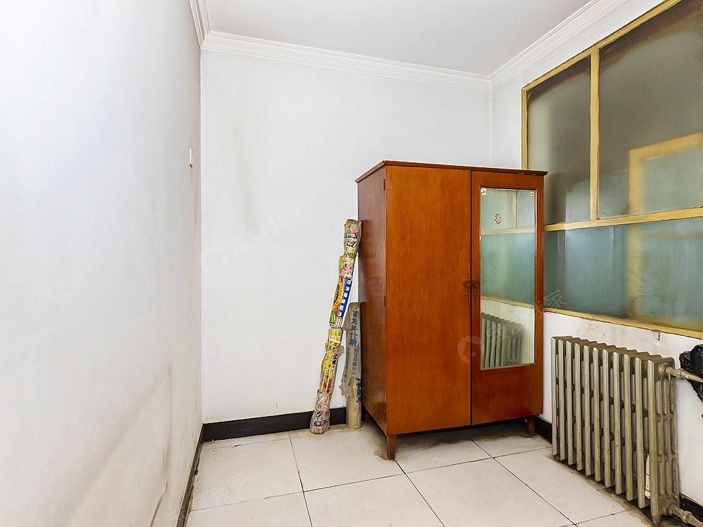 6号线十里堡站 十里堡北里南北两居 带电梯 满五年唯一
