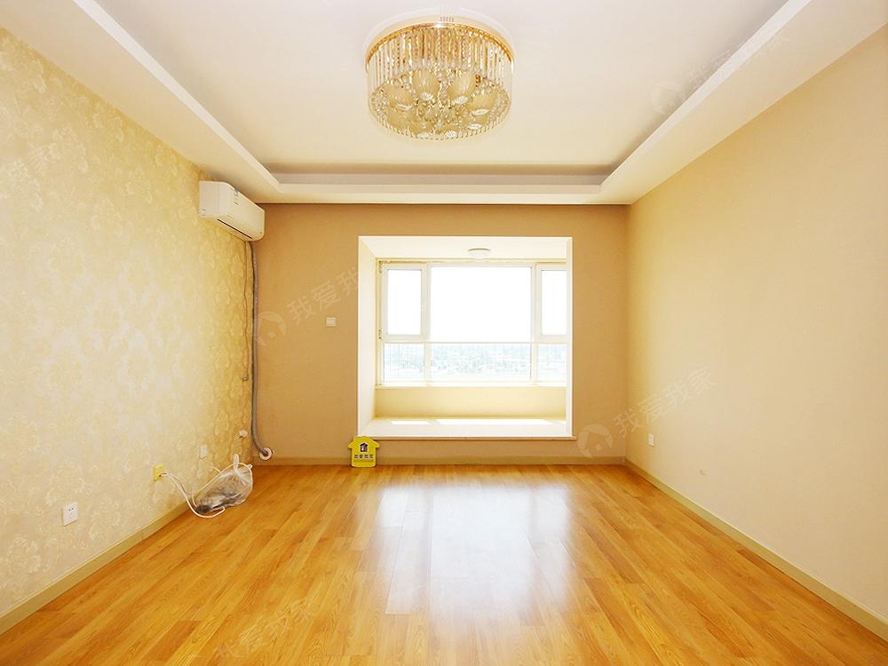 万科幸福汇 精装三居室 满五年 低首付