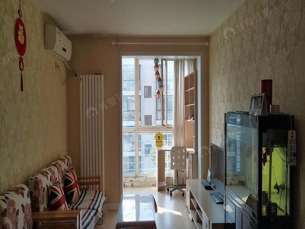 佳世苑南区,正规大两居,家具家电齐全,诚心出租