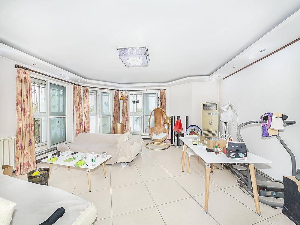 朝阳新城二区 东南金角126平3室2厅2卫 满五一套商品房