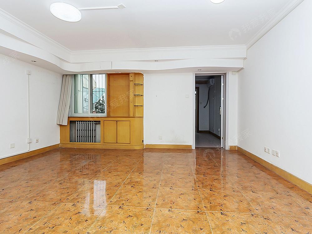 今日新上 业主换房诚意出售 82.2平米两居室 随时看房