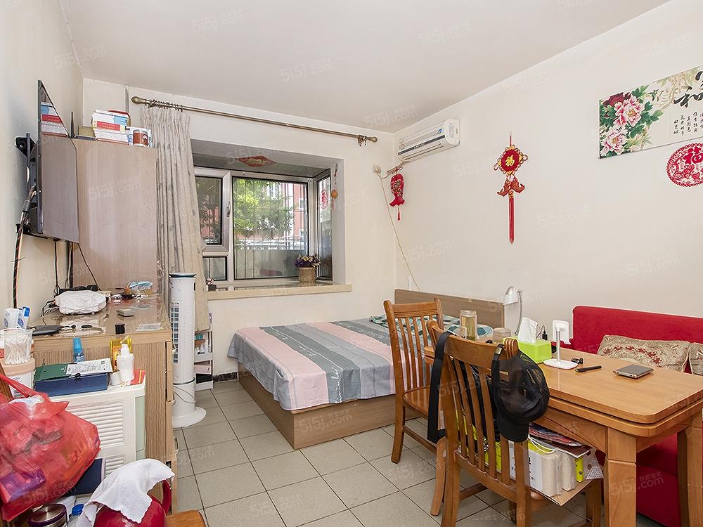 满5且一套公房,实际使用率高,知春里西区板楼优质两居