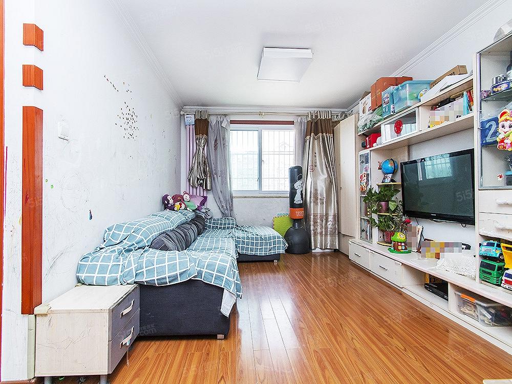 大兴黄村,兴康家园,南北两居室,满五年,中间楼层,看房随时