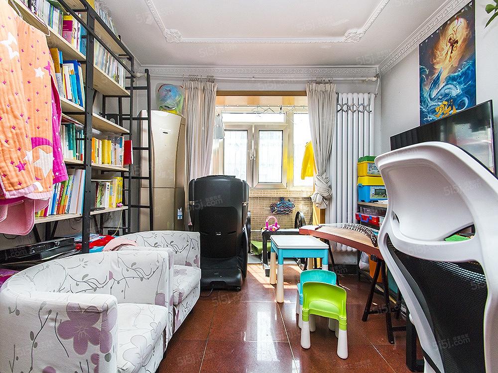 枣园小区 双卧室朝南向三居 满五年唯一 近地铁 随时看房