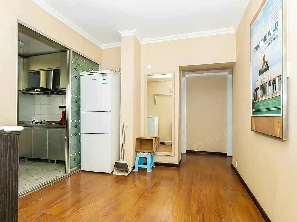 八里庄南里新上两室一厅南北全明格局精装修满五年唯一